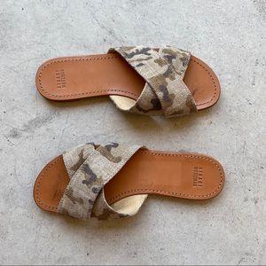 ▪️Stuart Weitzman▪️camo crisscross byway sandals